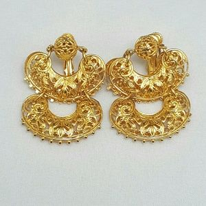 Vintage Vendome Signed Gold Tone Filigree Earrings